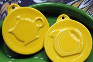 Set of Daffodil Embossed Disk Pitcher and Teapot Ornament Set
